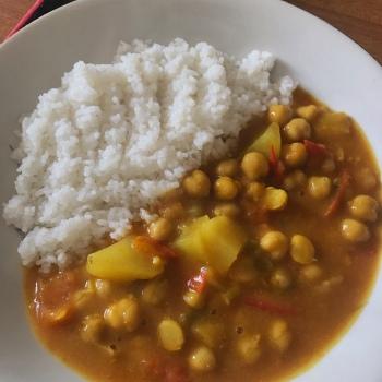 Ricetta vegana curry di ceci e verdure
